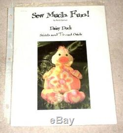 JJG Daisy Duck 3D Doll HP Handpainted Needlepoint Canvases & Stitch Guide