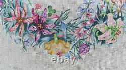 Vtg Edie and Ginger Hand Painted Needlepoint Canvas Floral Wreath CW118 19 dia